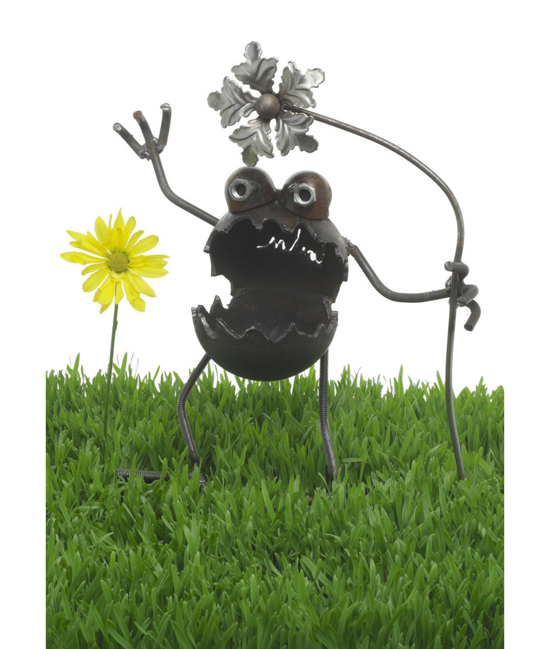 Handmade unique garden decor photograph unique garden yard for Unique yard decorations