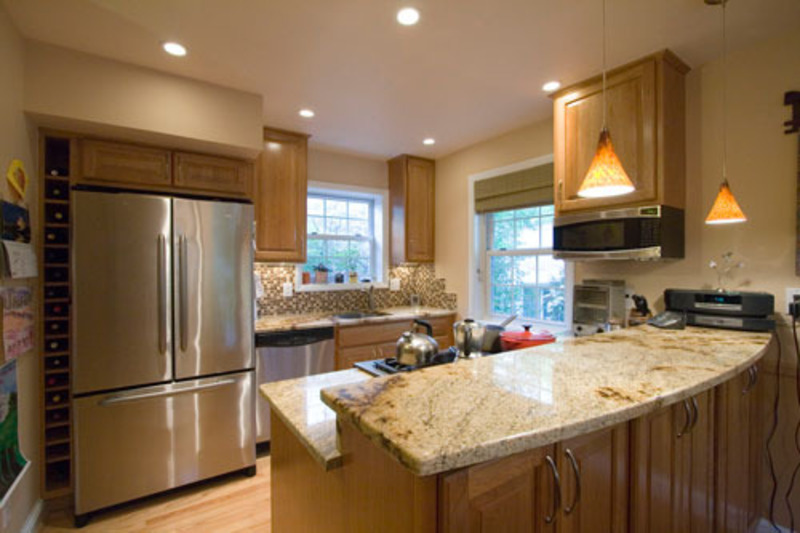 Kitchen design ideas and photos for small kitchens and for Remodel my kitchen ideas