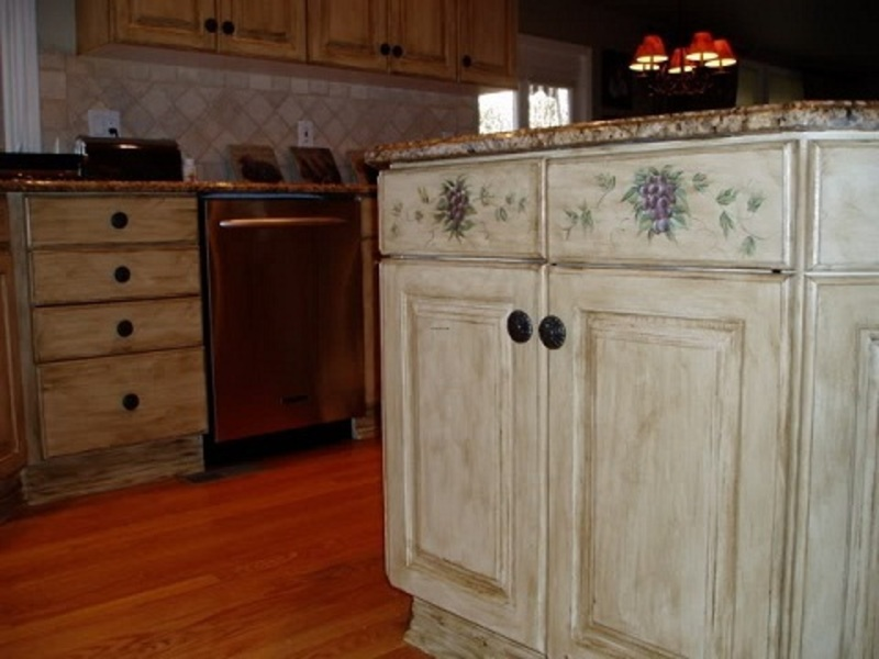 Kitchen cabinet painting ideas that accent your kitchen colors design bookmark 8072 - Painted kitchen cabinets ideas ...