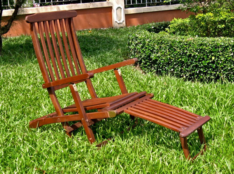 Acacia steamer deck lounge chair design bookmark 8357 for Acacia wood chaise lounge