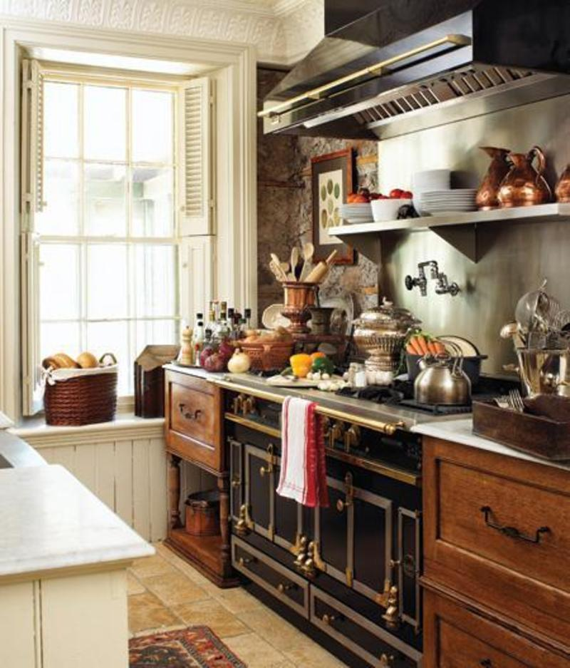 3 traditional country kitchens vintage french style for Old country style kitchen ideas
