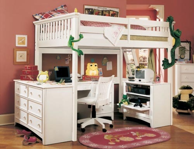 Girls Loft Bed with Desk 800 x 616