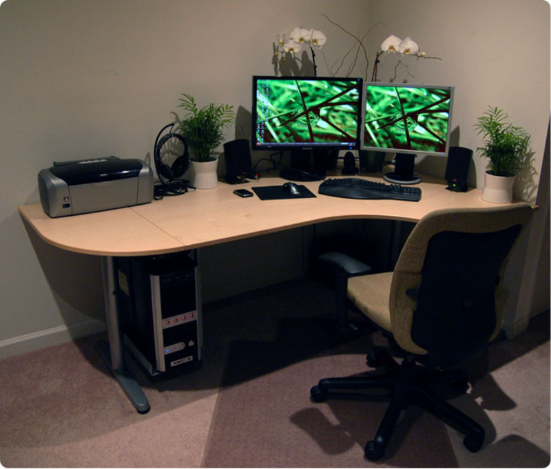 Corner Workspace 2009 For Small Office Design Ideas / design bookmark