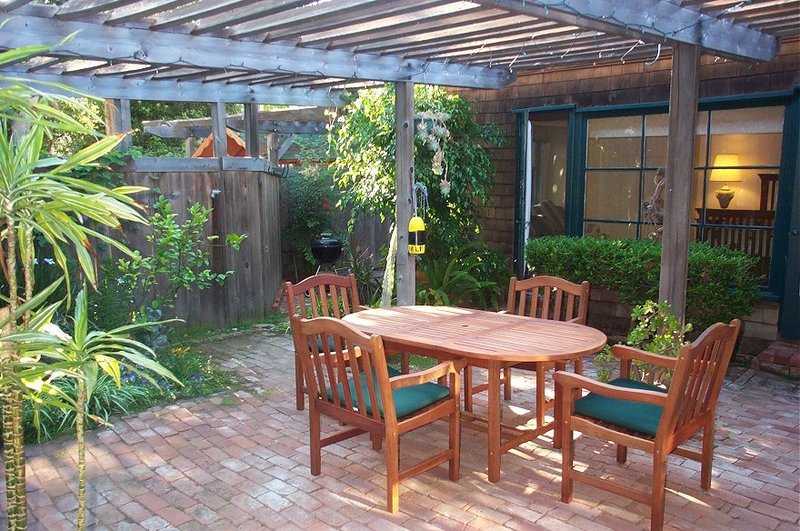 Enclosed patios photo design bookmark 8884 Enclosed patio ideas