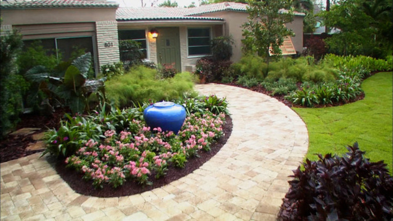 Front yard landscaping ideas home improvement diy for Landscaping ideas for small areas