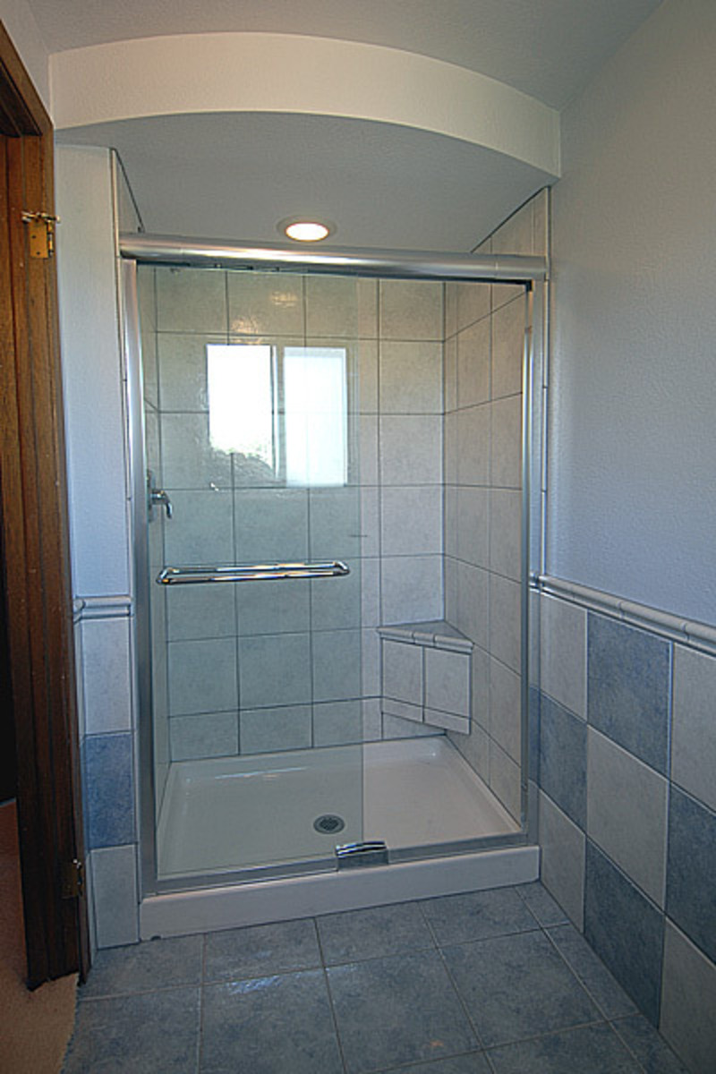 Bathroom shower remodeling pictures design bookmark 10240 for Bathroom ideas with tub