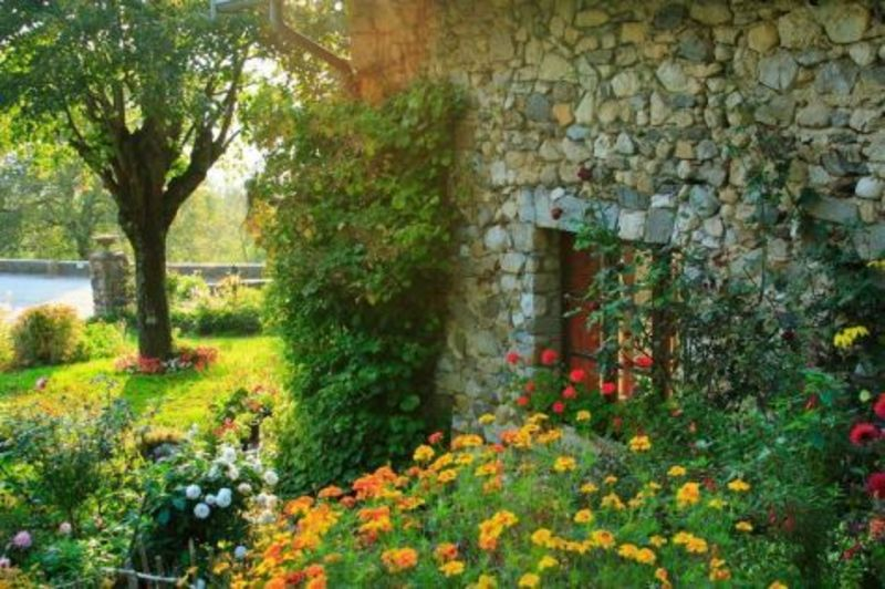 Country garden decorating ideas lovely photograph landscap for Country garden ideas