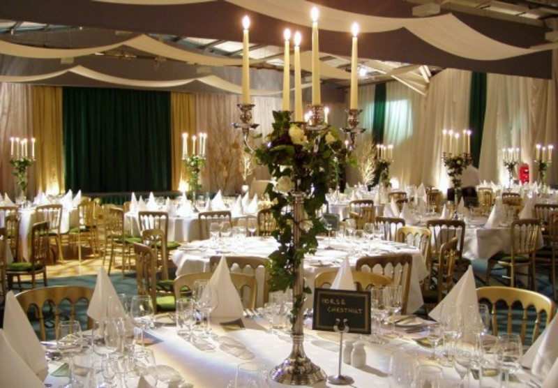 clodagh 39 s blog this tall wedding centerpiece was created