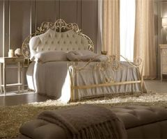 Luxury Bedroom With Traditional Style By Italian Designers