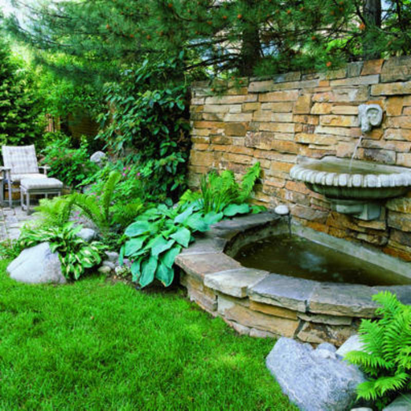 Splashy wall fountain for Backyard water feature plans
