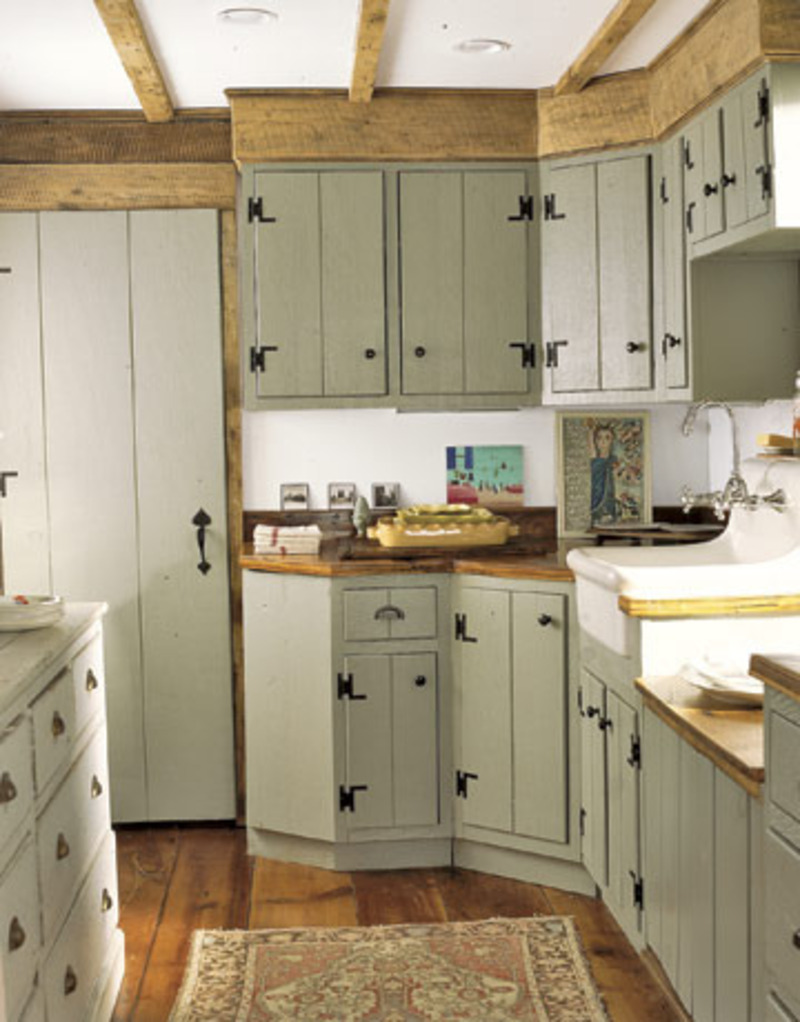 Farmhouse style design bookmark 10985 for Are painted kitchen cabinets in style