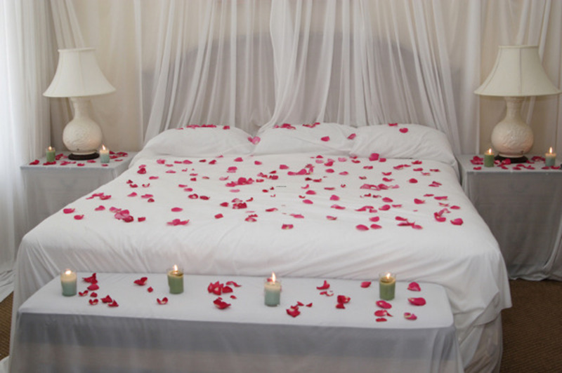 Romantic Bedroom Decorating Ideas / design bookmark #