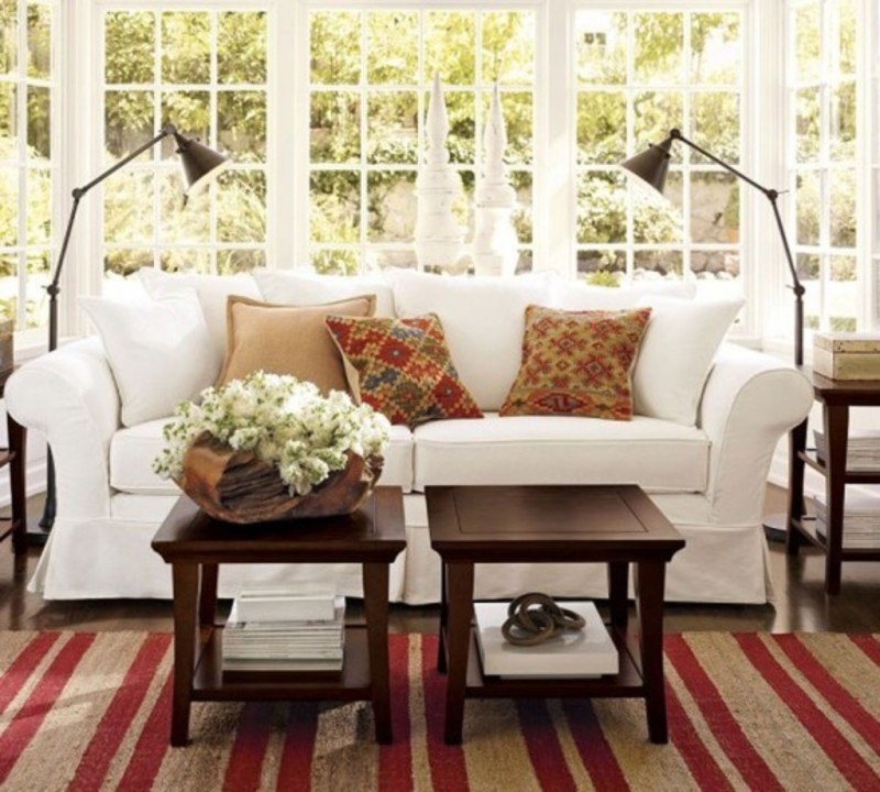 Antique living room decorating with vintage modern sofa for Antique living room decorating ideas