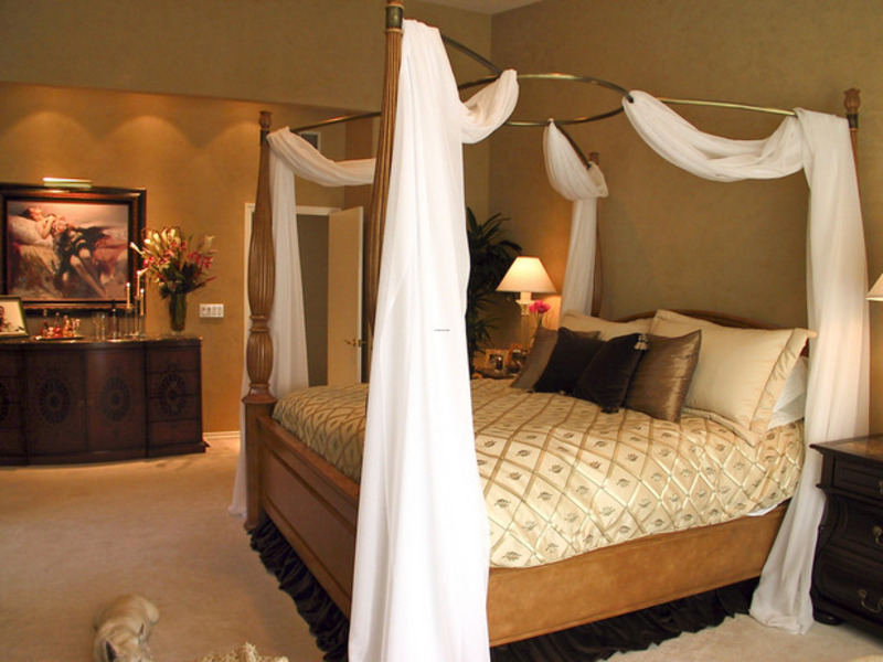 Beautiful And Romantic Bedroom Design For Great Couple