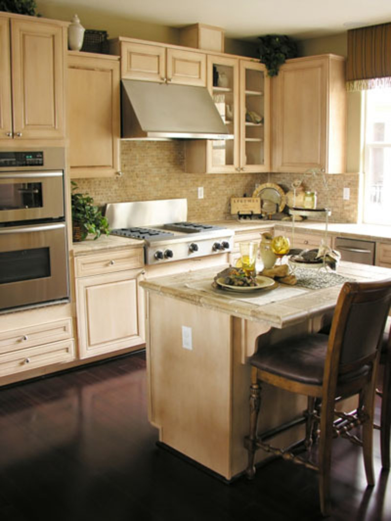Small kitchens islands images for Small kitchen ideas