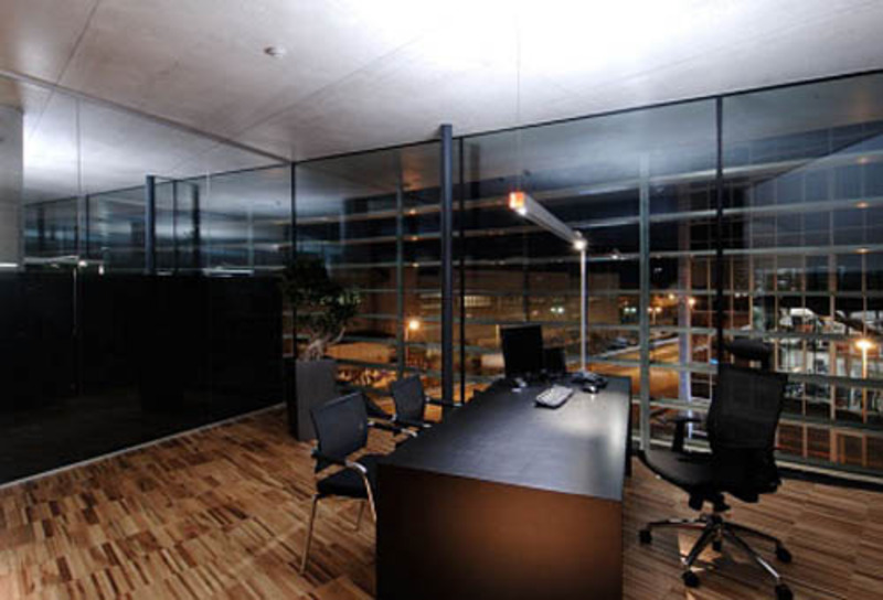 Executive office design the ultra modern office for Ultra modern office building design