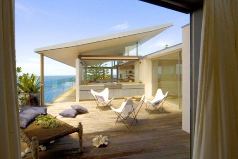 Modern architecture beach house design in australia for Modern beach house furniture