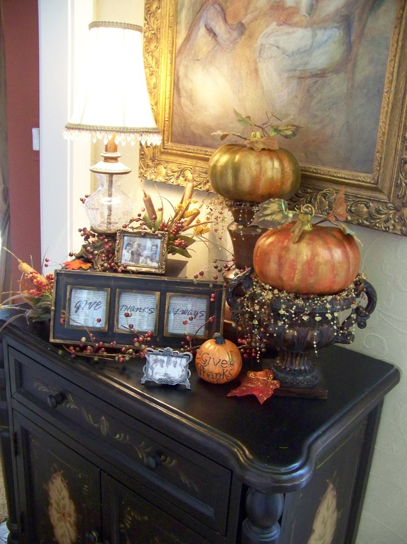 Dress up your entry table this fall design bookmark 13303 Entry table design ideas