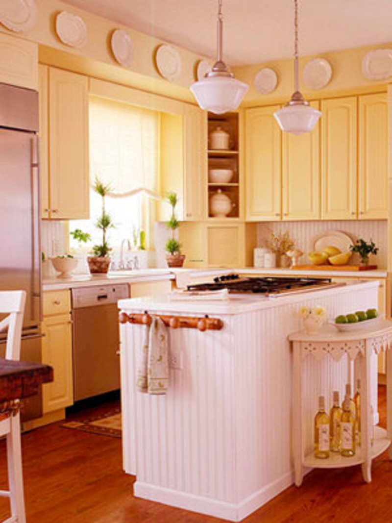 Kitchen cabinets yellow for Kitchen cabinets yellow