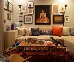 Painting On Wall At Modern And Traditional Living Room Design Decorating Ideas