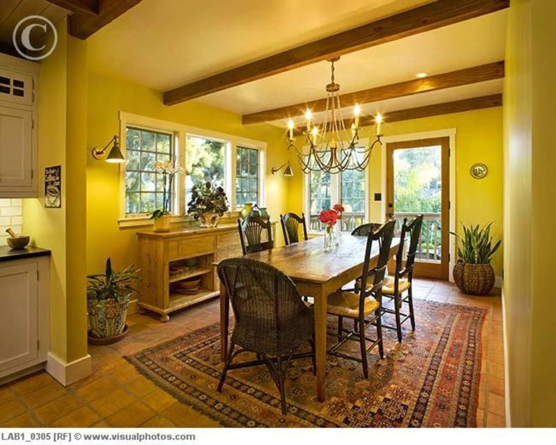 Yellow Dining Room With Wooden Ceiling Beams Lab1 0305
