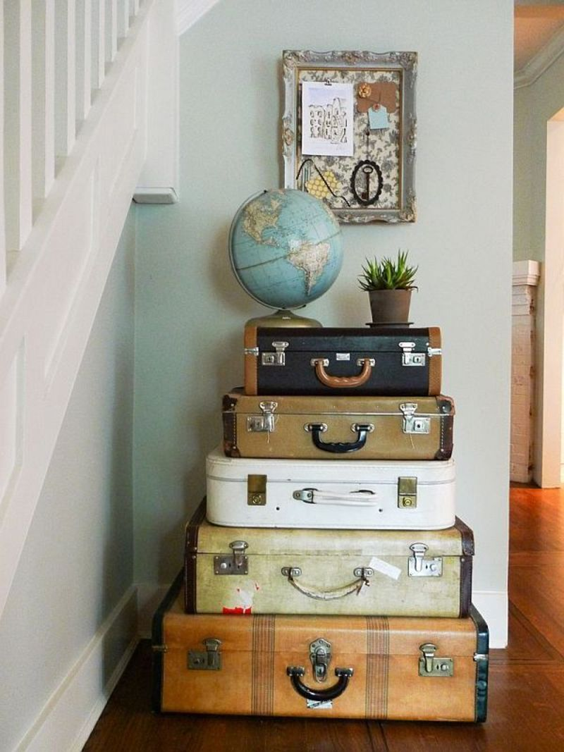 Vintage luggage home decor design bookmark 14035 for Antique home decorations