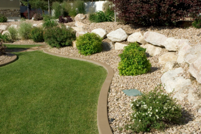 Small yard landscaping ideas cheap scaping ideas for Garden designs for small backyards