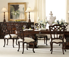 Getting Traditional Athmosphere In The Modern Life With Traditional Dining Room