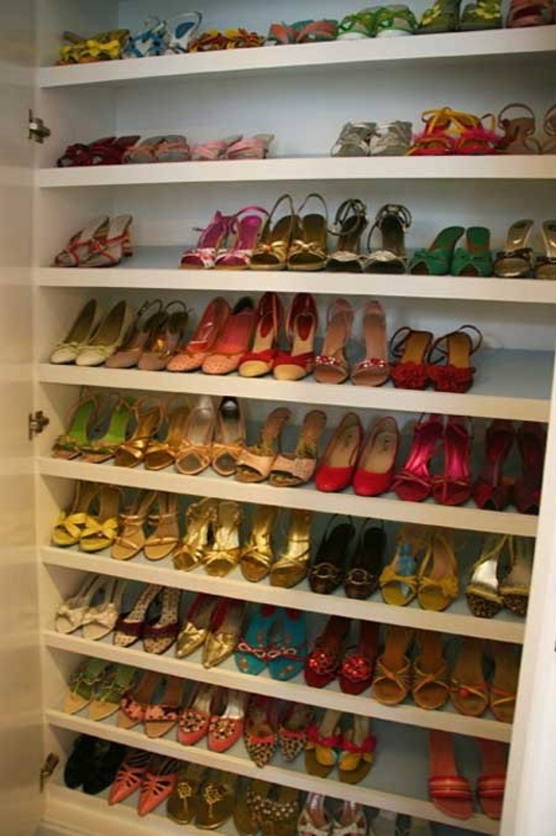 Shoe Storage / design bookmark #