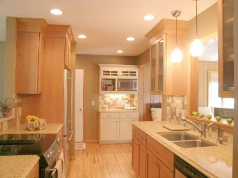 Small galley kitchen decorchic kitchen design and decoration with galley kitchen lighting Kitchen designs galley photos