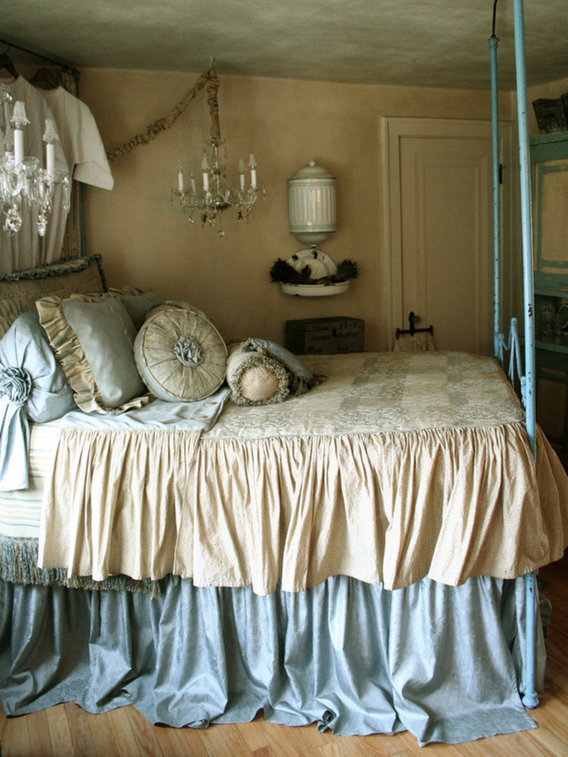 French Style Romantic Master Bedroom Design Bookmark 14992