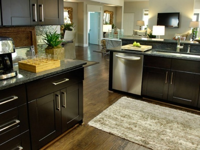 Contemporary Black Oak Kitchen Cabinets Shaggy Nylon Rug For ...
