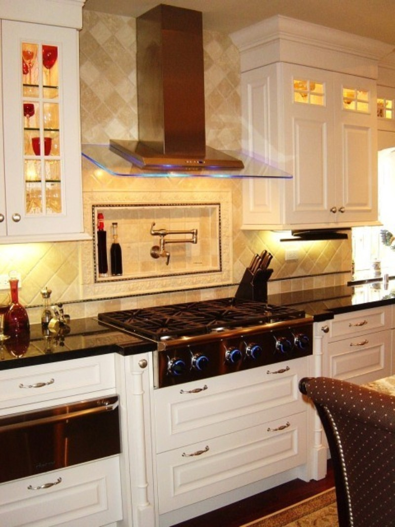 Small kitchen design with island home design for Small built in kitchen