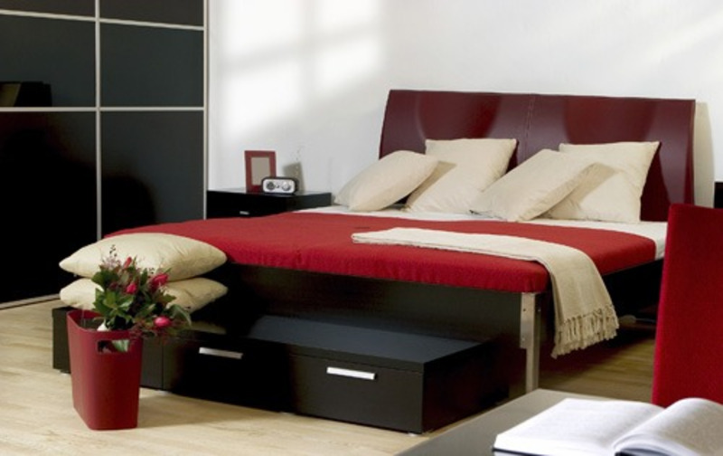Red And Black Bedroom, Bigorous Black Red Bedroom Ideas Looks Elegant