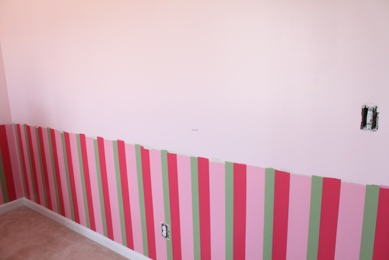 How to paint three stripes on the walls design bookmark for Painting stripes on walls in kids room