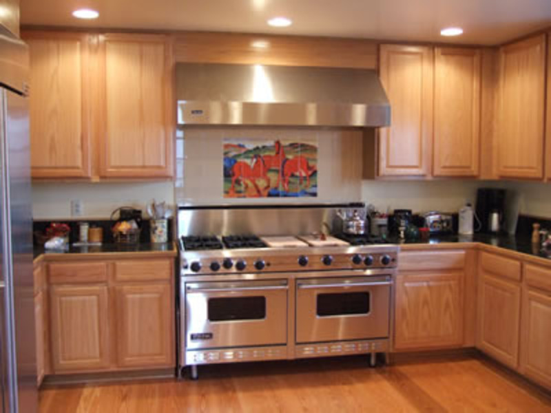 Examples of kitchen backsplashes kitchen tile murals for Kitchen design examples