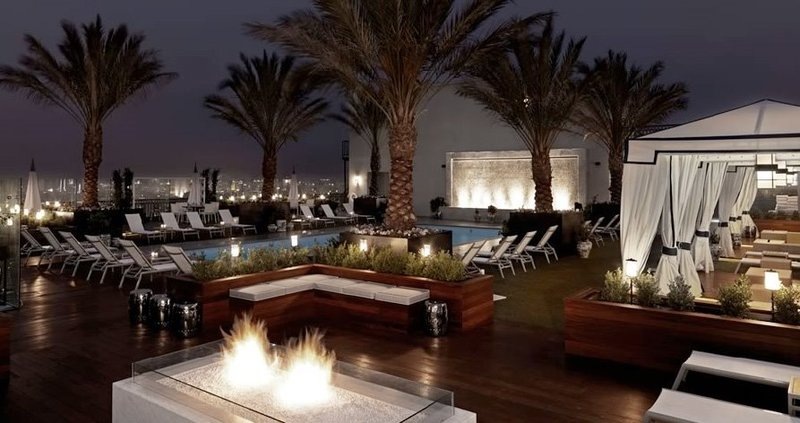 Rooftop Lounge, Outdoors: Rooftop Pool And Lounge