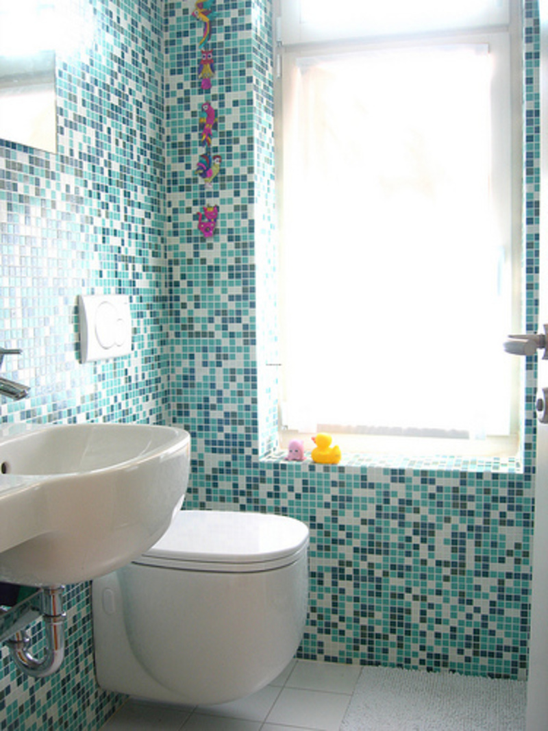 Small modern bathroom tile for Modern bathroom tile designs pictures