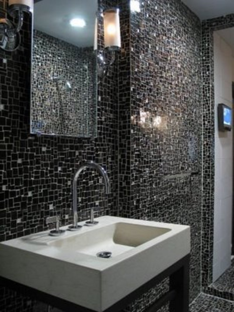 Modern bathroom tile design design bookmark 15827 for Small modern bathroom designs 2012