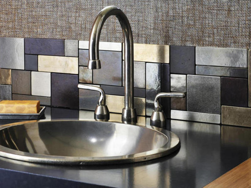 Tiles Backsplash Ideas, Kitchen. 30 Cozy And Modern Kitchen Backsplash Ideas: Rectangular Glass Tiles Backsplash ~ Ciiwa