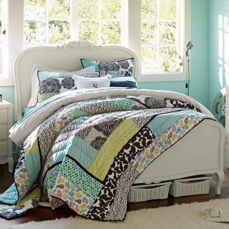 Best home teenage girls bedroom ideas within green bedroom for Bedroom quilt ideas