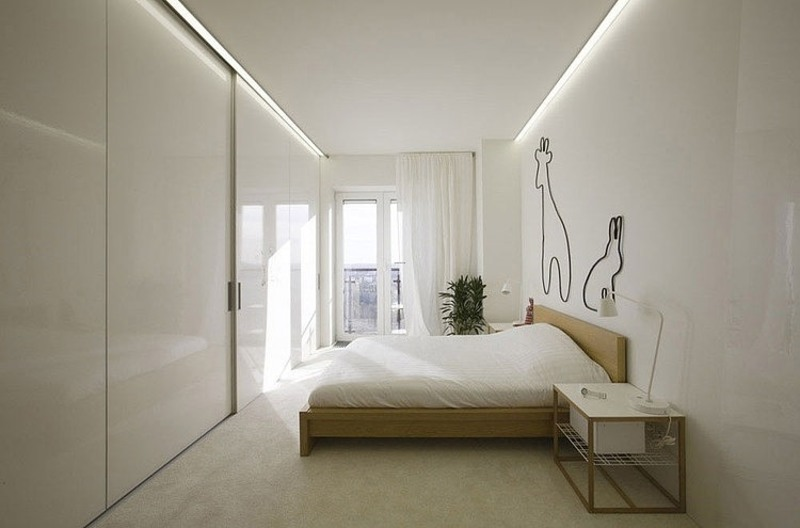 Minimalist apartment in moscow exuding elegance throughout for Minimalist small apartment