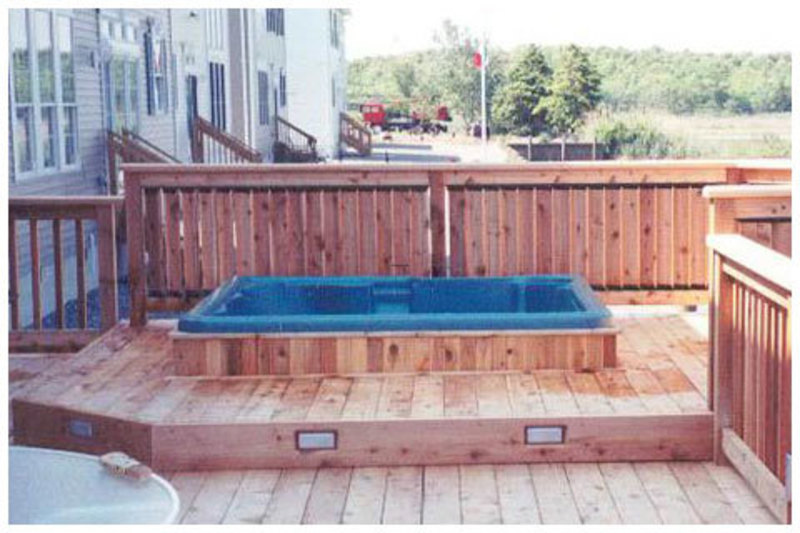 Decoration style the interesting design of the tub by for Privacy fence around patio