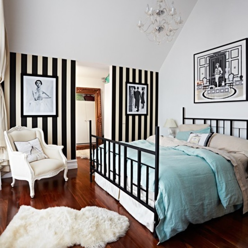 Wallpaper Bedroom Ideas: Black And White Striped Wallpaper / Design Bookmark #17447