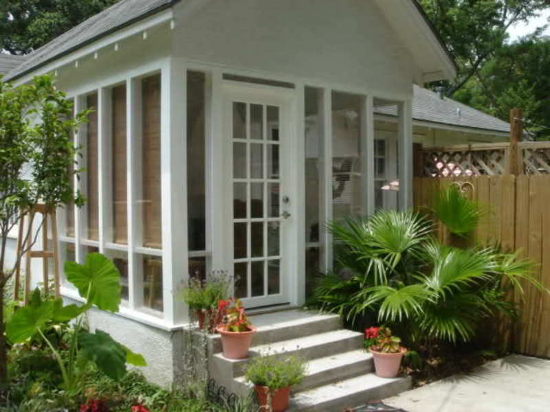 Enclosed porch smaller homes forum garden web enclosed for Small enclosed patio design ideas