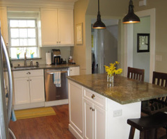 Small White Kitchen With Island Hognvseb