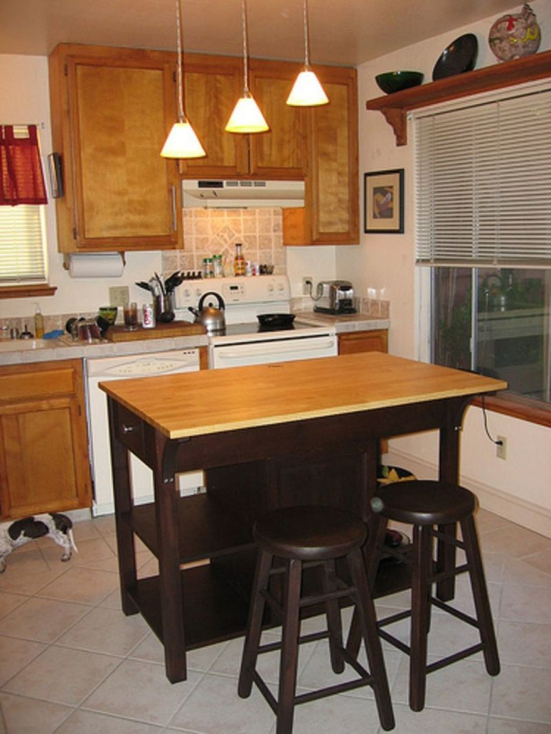 What Is A Kitchen Island With Pictures: And Small Kitchen Island With Seating Design / Design
