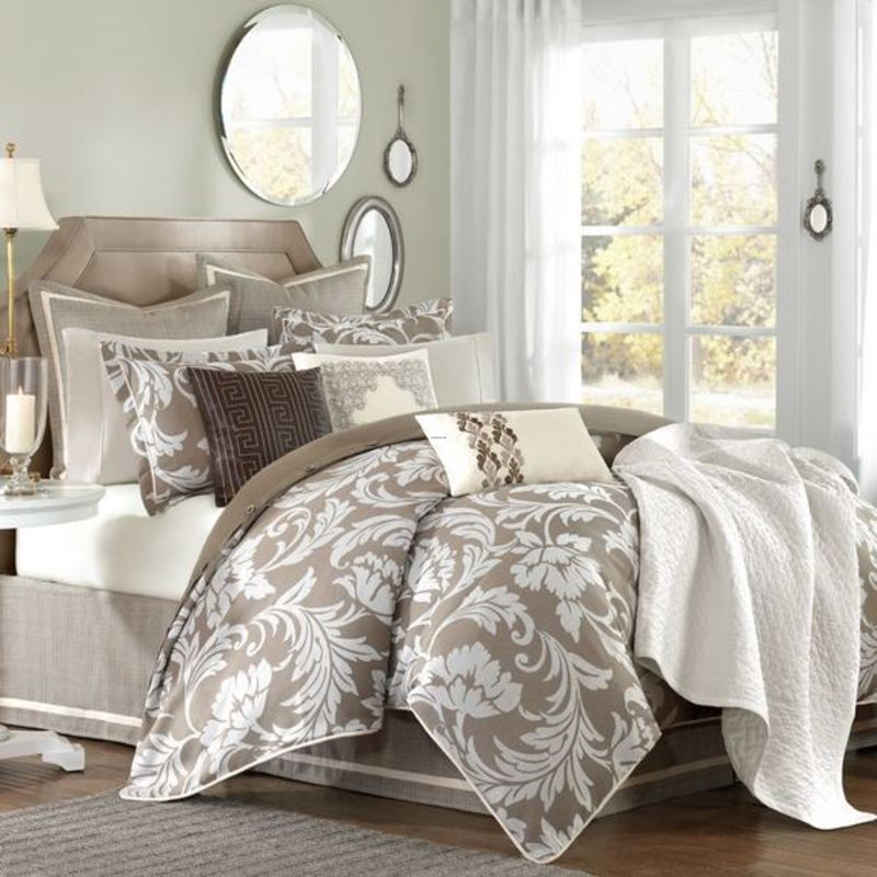 difference between a bed comforter set and bedspreads. Black Bedroom Furniture Sets. Home Design Ideas