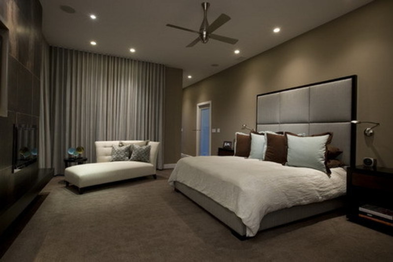 Dark brown wall color themes and modern carpets in Dark brown walls bedroom