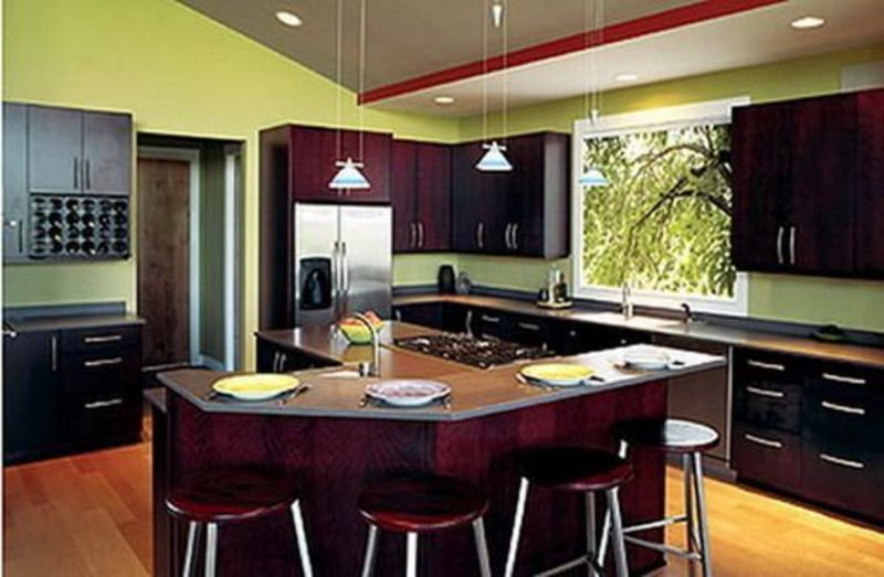 Green kitchen walls with dark cabinets design bookmark for Great kitchen wall colors